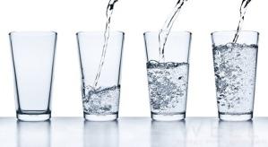 unfrazzle glassesofwater1