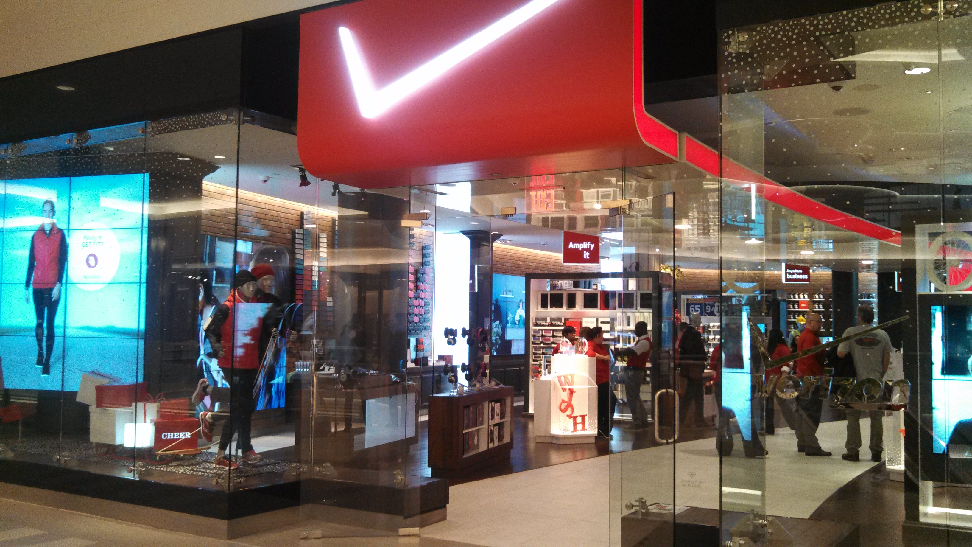 impact of malls to the lifestyle What are the impacts of globalization on the small business owner, and how can you defend yourself from the blows that will inevitably come your way globalized brands.