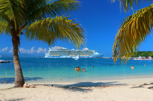 cruise_beach_and_ship.png